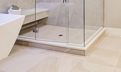 Wie man die duschwanne reinigt