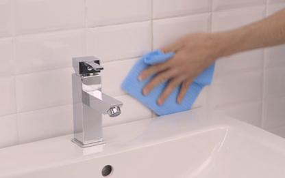 Pulire le piastrelle della cucina come pulire la cucina - Come pulire le piastrelle del bagno ...